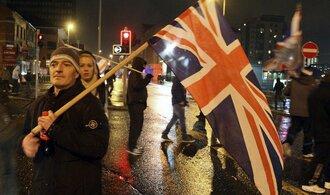 Boj o vlajku v Ulsteru trvá