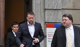 Třetí den soudu ve Švýcarsku. Žalobkyně tvrdě odvracela útoky advokátů manažerů MUS