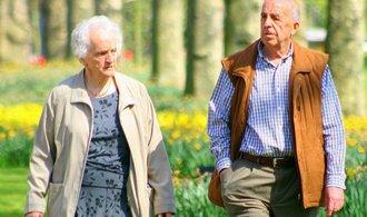 Důchody a jejich přiznání vyřídíte se zpožděním. Stát nestíhá