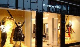 Miliardář Vítek udeřil na Pietro Filipi a Karu kvůli vyklizení prodejen