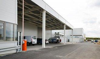 Z nové továrny u Plzně je černá stavba, kraj zrušil dodatečné povolení