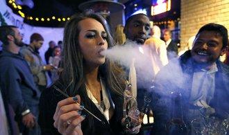 USA zjednodušují obchod s marihuanou. Prodejci už mohou mít účty v bance