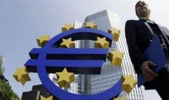 Řešení řecké krize by mohl usnadnit společný evropský dluhopis