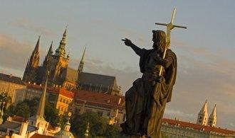 Investice podle církve: katolíci sází na půdu a nemovitosti