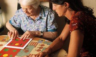 Počet nemocných Alzheimerem v USA se prý do roku 2050 ztrojnásobí