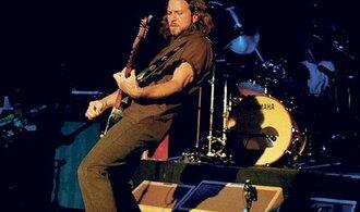 Po pěti letech v Praze vystoupí skupina Pearl Jam