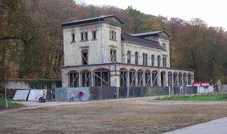 Památná Šlechtova restaurace se dočká rekonstrukce. Chátrá desítky let
