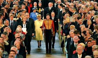 Monarchie zažila svátek, královna pronesla výroční řeč