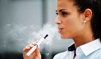 Unie si vyšlápla na e-cigarety, chce je zařadit mezi léčiva