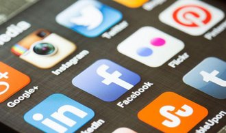 Sociálním sítím hrozí padesát milionů eur pokuty kvůli pomluvám nebo projevům nenávisti