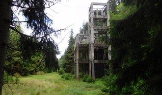 Unikátní lákadlo Krušných hor: turisty přitahuje betonové torzo továrny po nacistech
