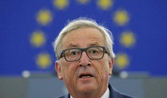 Měkká síla už nestačí, potřebujeme evropskou obranu, řekl Juncker