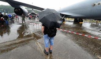 Dny NATO přilákaly 45 tisíc lidí, provází je nepřízeň počasí