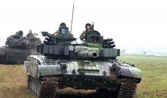 Evropa musí dávat více na obranu, řekl Trump šéfovi NATO
