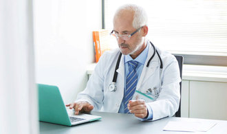 Doktorů bude za pár let rapidně ubývat, varuje zdravotnický expert