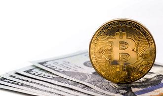Bitcoin překonal deset tisíc dolarů a může dál růst