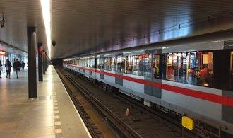 ÚOHS vyšetřuje zakázku pražského dopravního podniku na úklid metra