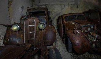 Desítky aut skrytých v opuštěném dole. Našel se poklad z doby Adolfa Hitlera