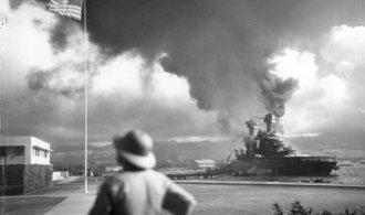 OBRAZEM: Před 75 lety Japonci zaútočili na Pearl Harbor. Připomeňte si jednu z klíčových událostí