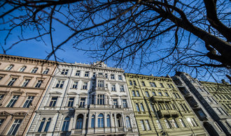 Zvýšení sazeb ještě poptávku po nemovitostech neochladí, míní makléři