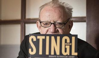 Knižní recenze: cestovatel Stingl se dočkal důstojné biografie