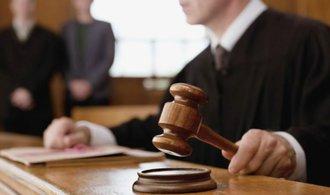 Strany před volbami volají po zrychlení soudních řízení, navrhují také osobní odpovědnost soudců