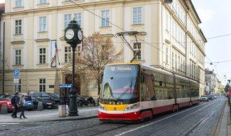 Klimatizací v tramvajích přibývá, cestující s nimi ale neumějí zacházet