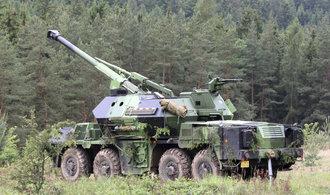 Přenosné raketomety a houfnice Dana. Armáda nakoupí zbraně za dvě miliardy