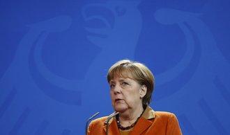 """Merkelová odmítá návrh na """"změnu dráhy"""" pro uprchlíky"""