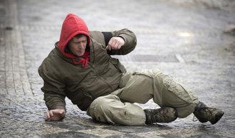 Úraz na namrzlém chodníku? Žádejte odškodnění