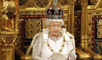 Brexit může začít. Alžběta II. podepsala klíčový zákon