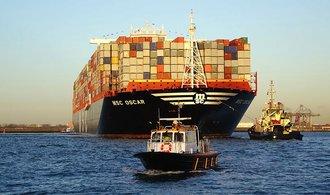 Devět gigantů, kteří brázdí moře: od obří jachty po největší nákladní loď světa