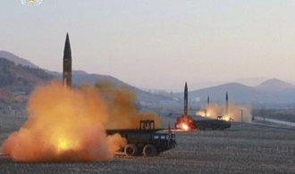 Americká armáda hodlá odpovědět KLDR, Trump nařídí test protiraketového systému