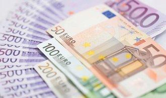 Akcie, měny & názory Jany Steckerové: Euro padá zvýšin