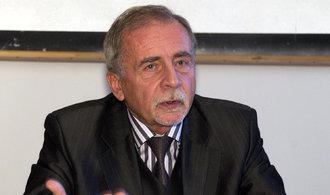 Zeman má nového kandidáta na ombudsmana. Místo Válkové navrhne Křečka