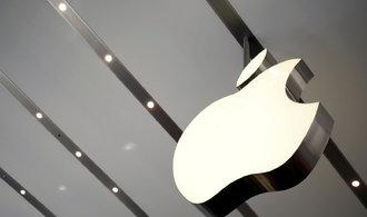 Prodej iPhonů překvapivě klesl, Applu přesto rostou zisky