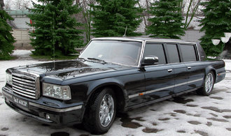 Putin ji nechtěl. Teď se limuzína ZiL prodává za 24,6 milionu