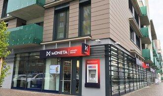 Moneta sází na internetové bankovnictví. Zavře tři desítky poboček