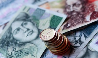 Koruna je vůči dolaru nejsilnější za poslední roky