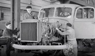 Barča. Podívejte se, jak se před sedmdesáti lety vyráběl legendární nákladní vůz Škoda 706 R