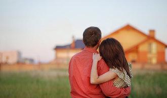 Stát chce mladým párům půjčovat na bydlení, poskytne jim až dva miliony