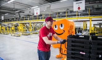 Tak šel čas s byznysem Amazonu. Bilionová firma už dávno nevydělává jen na knihách