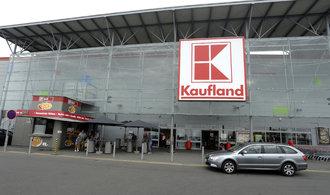 Pracovníci supermarketů dostanou mimořádně odměny, přijdou si na tisíce korun navíc