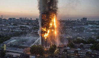 Britové zahájili evakuaci tisíců lidí z londýnských výškových budov