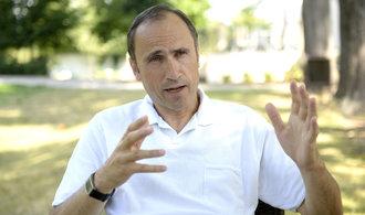 Hádky s Klausem, zadržení na Kubě a problematické podnikání. Čtěte profil Ivana Pilipa