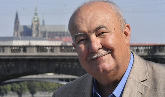 Nový kandidát na Hrad. O místo prezidenta se bude ucházet hudebník Petr Hannig