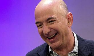 Black Friday udělal ze šéfa Amazonu krále boháčů. Jeho jmění pokořilo hranici 100 miliard dolarů