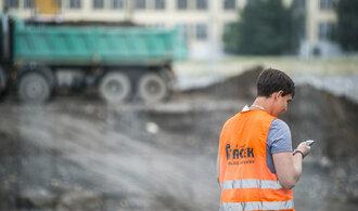 Stavební úřady ukončily jaro na půl plynu. Investoři čekali ještě déle než obvykle