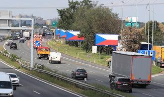 Billboardy zůstanou u silnic. Budou však obsahovat nekomerční motivy