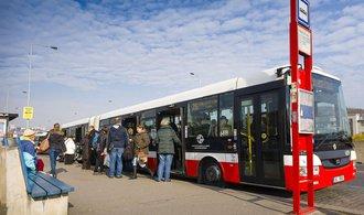 Dopravní podnik v Praze podepsal smlouvu na nákup dvou stovek autobusů, investice přesáhne miliardu